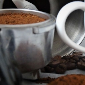 ground coofee, filter cup handle, beans
