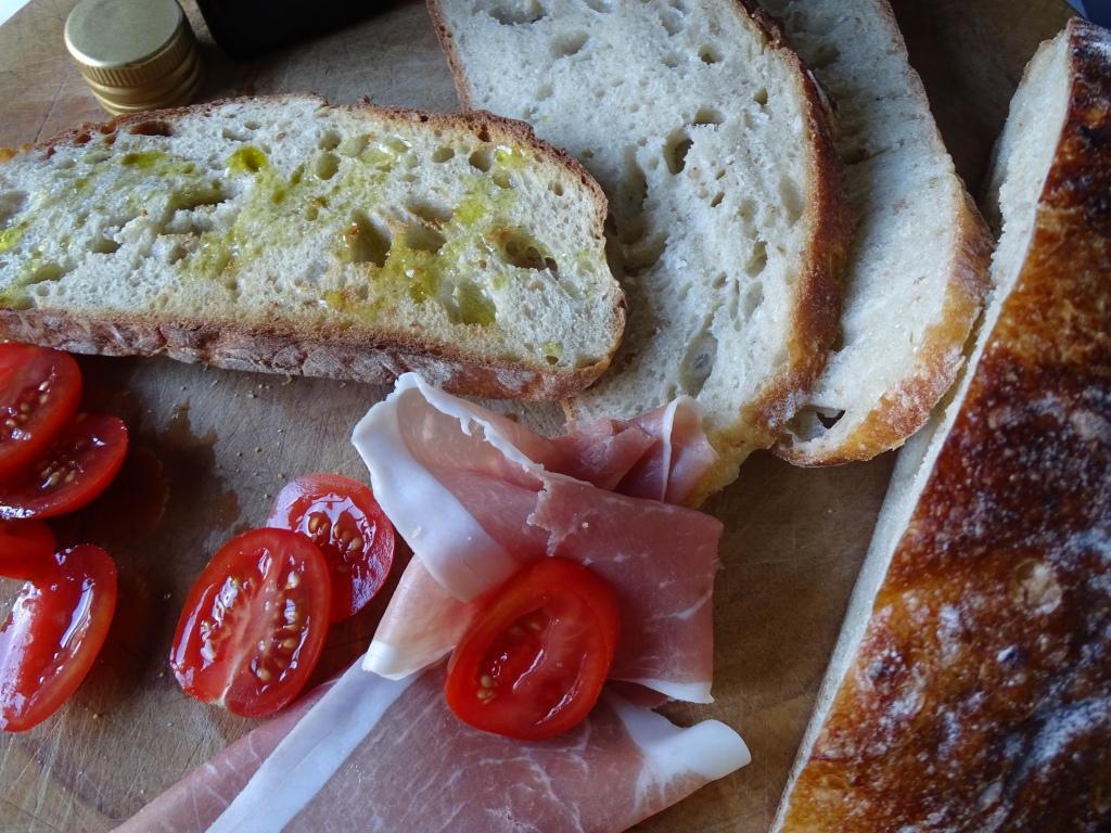 Sourdough with prosciutto & tomato