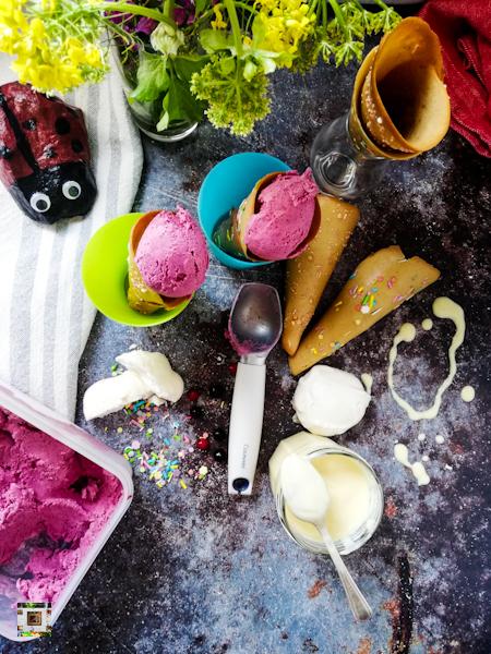 Food photography,Black currant ice cream 🍨 sugar cones